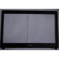 Рамка матрицы Samsung NP-R519-JS01RU с разбора