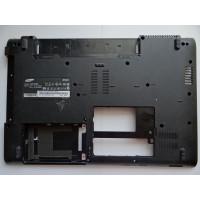 Нижняя часть корпуса Samsung NP-R520 с разбора